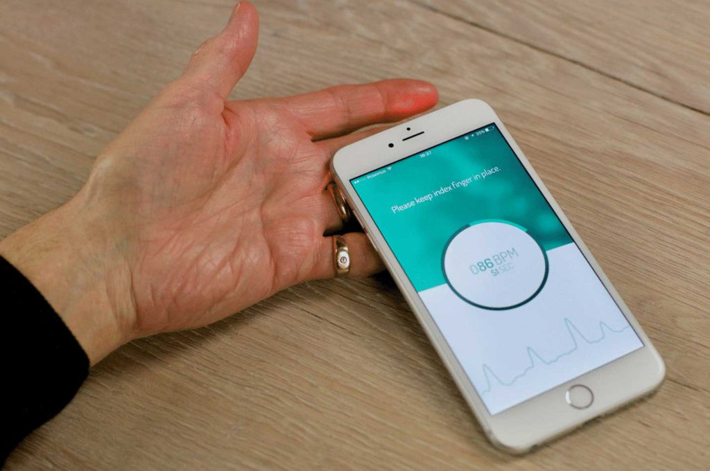 check heart rhythm smart phone app